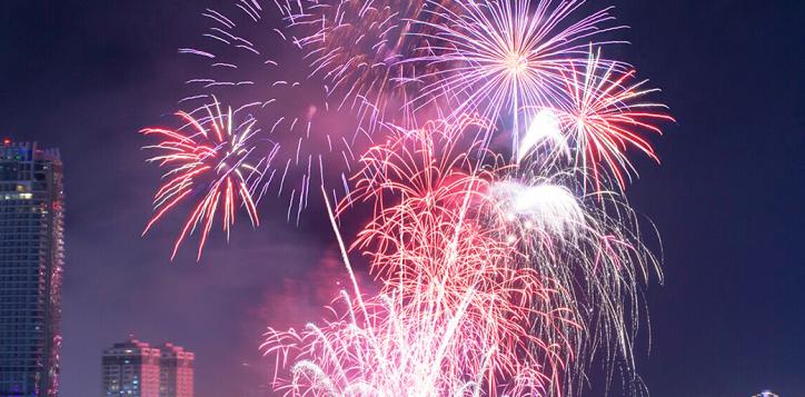 accorhotels-danang-firework-5-2